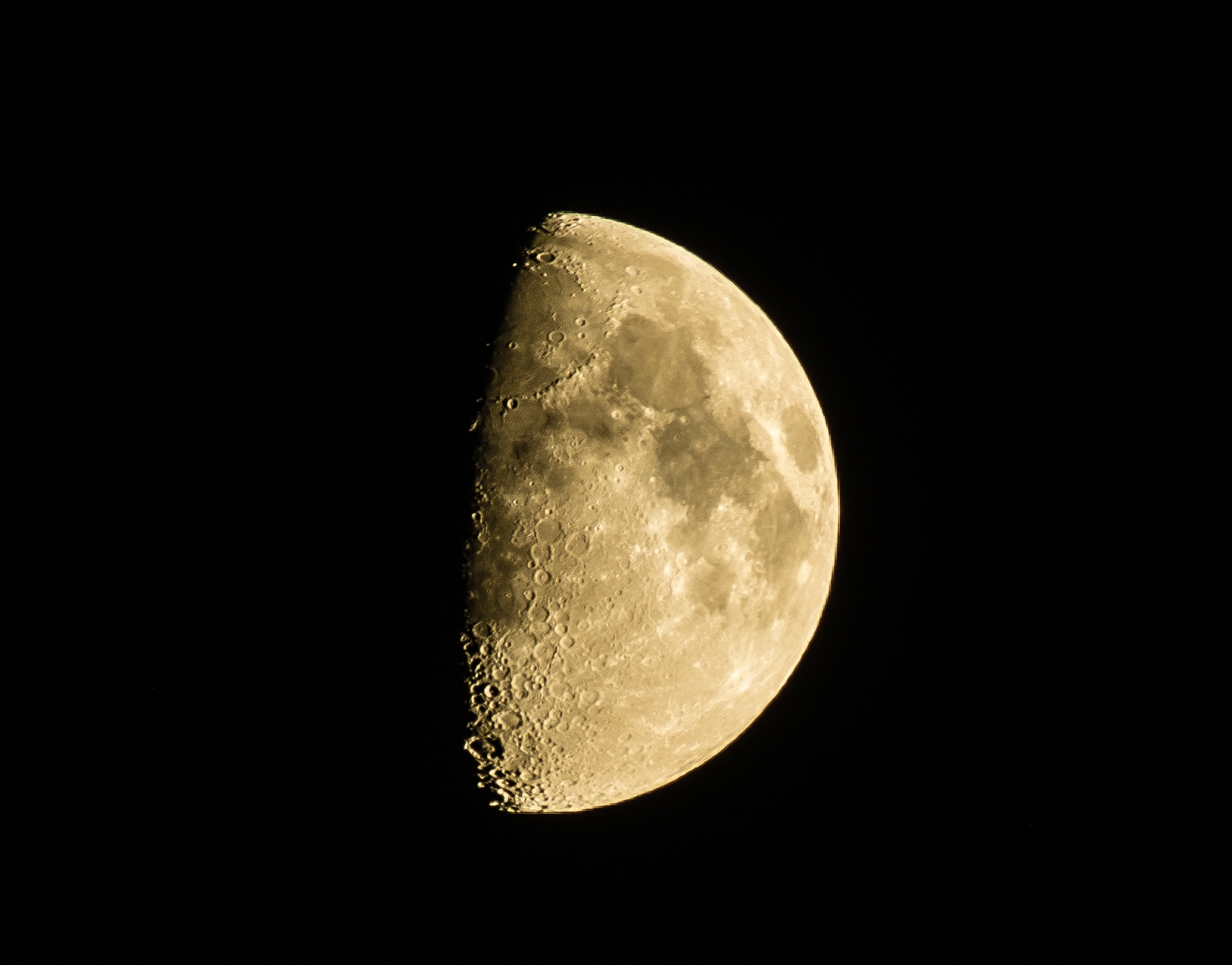 Moon, using DA300 and 1.4 teleconverter, K5, 200ASA, post processed in Lightroom
